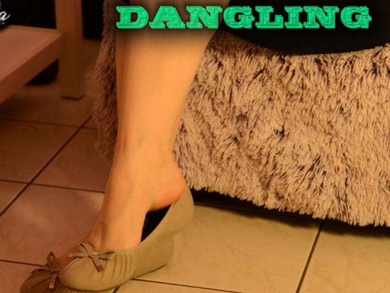 Ballerina-Dangling