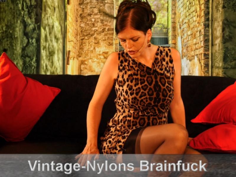 Brainfuck in echten Vintage-Nylons