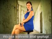 Wichse während anal gestopft
