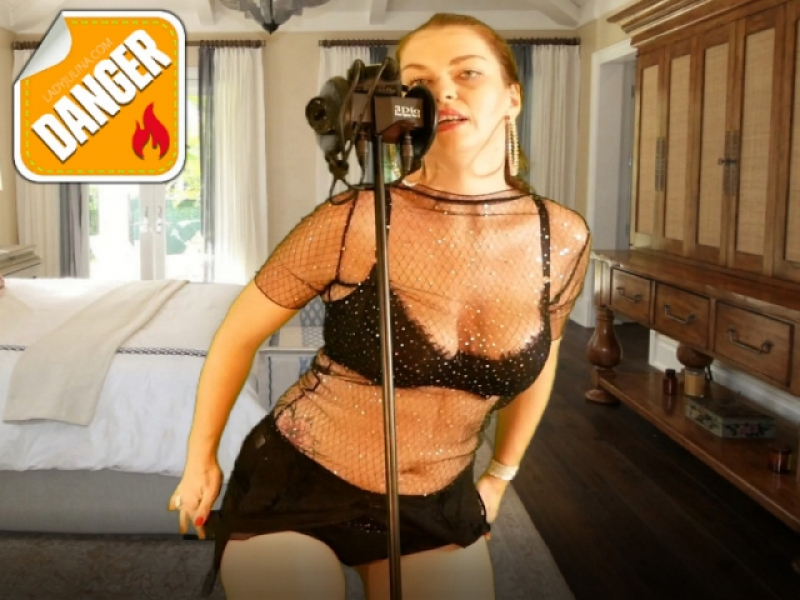 ASMR-Teasing-Brainfuck – Die Brüste Deiner Herrin 2-3